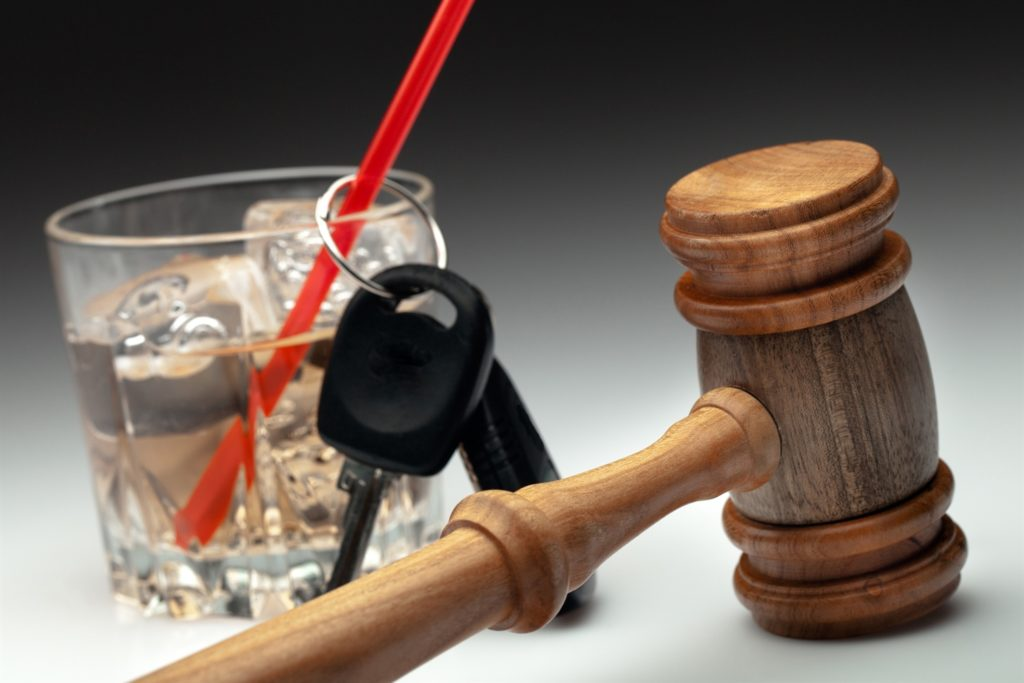 Alkohol am Steuer führt auch nach der Punktereform immer noch zu drakonischen Strafen
