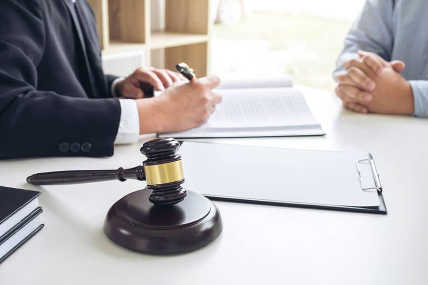 Bußgeldverfahren - Bußgeldbescheid mangels Bestimmtheit unwirksam