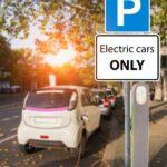 """Parken ohne Elektrofahrzeug bei Zusatzschild """"Elektrofahrzeuge"""" – Ordnungswidrigkeit?"""