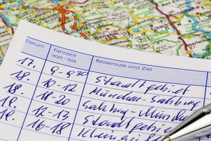 Androhung einer Fahrtenbuchauflage - Erhebung von Gebühren zulässig?