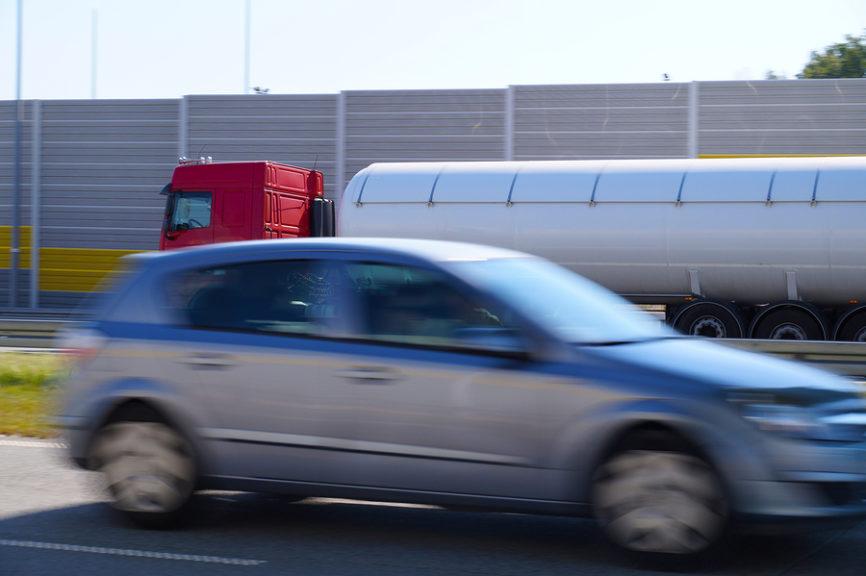Fahrlässige Geschwindigkeitsüberschreitung - Fahrverbot bei chronisch krankem Kind