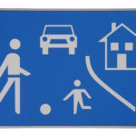 Wie hoch ist die Schrittgeschwindigkeit in einem verkehrsberuhigten Bereich?
