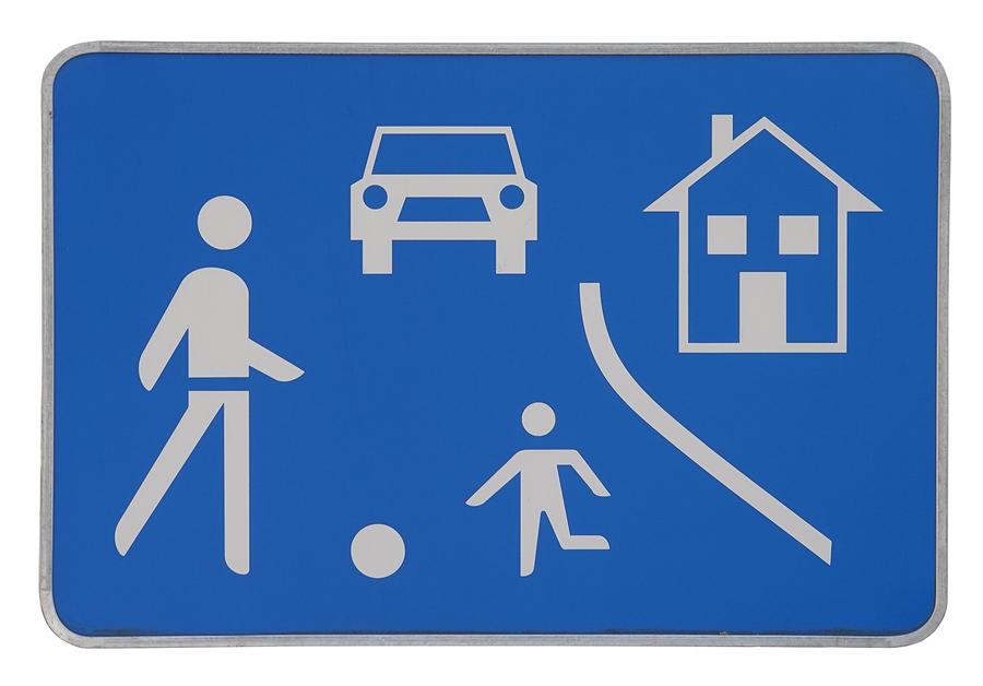 Wie hoch ist die Schrittgeschwindigkeit in einem verkehrsberuhigten Bereich? width=