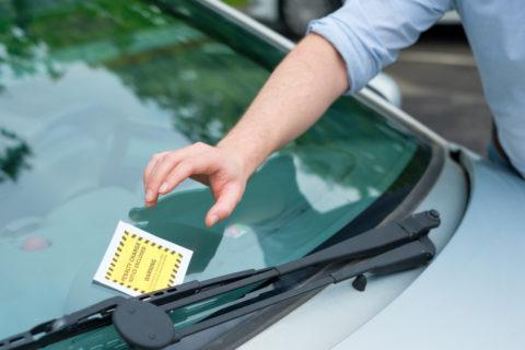 Halt- oder Parkverstoß – Haftung des Fahrzeughalters