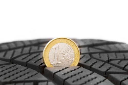 Profiltiefe mit Euro Münze messen