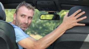 Außerachtlassens der Vorsicht beim Rückwärtsfahren - Unfall