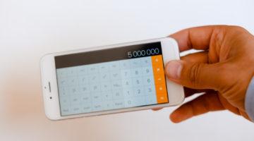 Taschenrechner mit Speicherfunktion – Nutzung während der Fahrt zulässig?