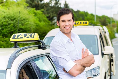 Geschwindigkeitsüberschreitung - Verhängung eines Regelfahrverbots gegen Taxifahrer