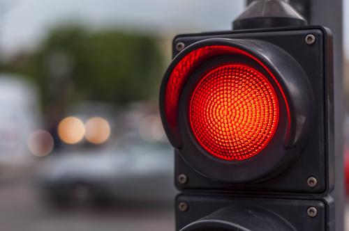 Qualifizierter Rotlichtverstoß - Fahrverbots bei Grünlicht anfahrenden Linksabbieger