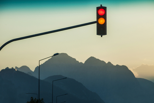 Rotlichtverstoß – plötzliches Aufleuchten einer Kontrollleuchte im Fahrzeug - Augenblicksversagen Feststellungen