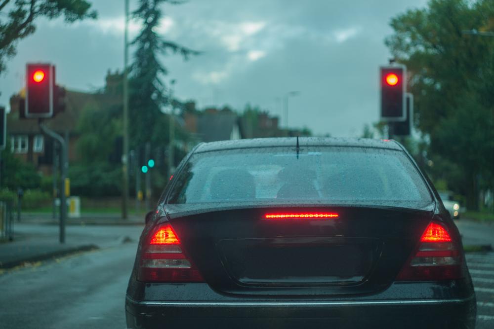 Qualifizierter Rotlichtverstoß - Annahme Augenblicksversagens für ein Absehen vom Fahrverbot