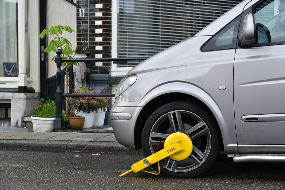 Parkverstoß - Kosten- und Auslagenentscheidung zulasten des freigesprochenen Kraftfahrzeughalters
