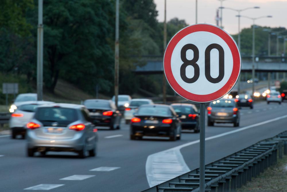 Bußgeldverfahren - Übersehen eines geschwindigkeitsbeschränkenden Verkehrszeichens
