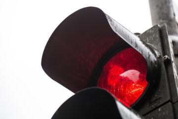 Verkehrsordnungswidrigkeit – notwendige Urteilsfeststellungen zu qualifiziertem Rotlichtverstoß