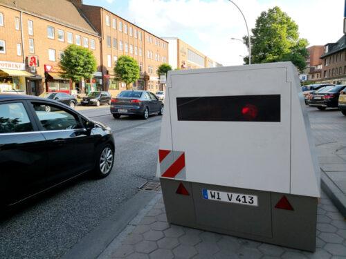 Geschwindigkeitsmessung mit PoliScanSpeedaus Enforcement Trailer