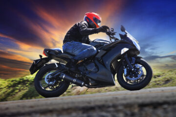 Geschwindigkeitsüberschreitung Motorradfahrer – Identifizierung