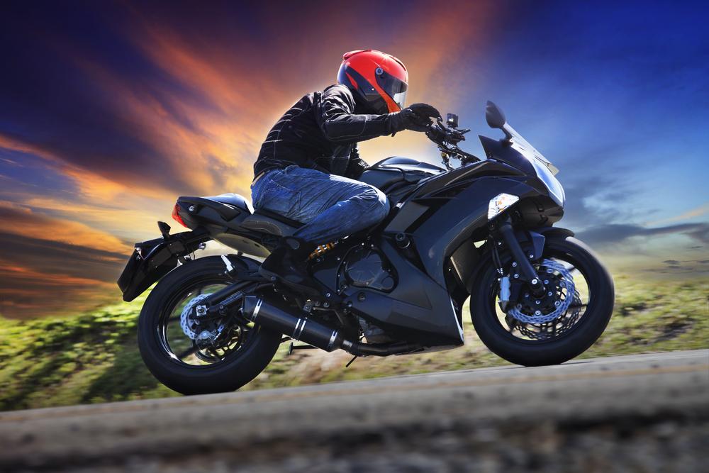 Geschwindigkeitsüberschreitung Motorradfahrer - Identifizierung